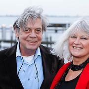 NLD/Loosdrecht/20121126 - CD uitreiking Anneke Gronloh, Johnny Lion en partner Mariska