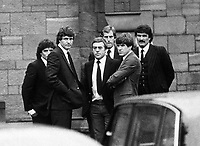 Fotball<br /> Liverpool<br /> Foto: Colorsport/Digitalsport<br /> NORWAY ONLY<br /> <br /> BILL SHANKLY FUNERAL. EX LIVERPOOL PLAYERS PREPARE  TO CARRY THE COFFIN. Left to Right: KEEGAN, TOSHACK, ST. JOHN, CLEMENCE, HUGHES, YEATS. SEPTEMBER 1981.