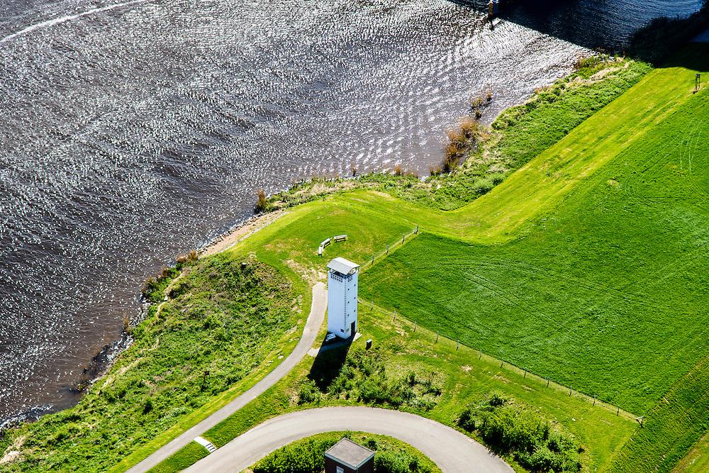 Nederland, Flevoland, Noordoostpolder, 07-05-2015. voormalige luchtwachttoren, ten zuiden van Ens (bij de Ramspolbrug). De toren maakte deel uit van een netwerk van  luchtwaarnemingsposten om laagvliegende vijandelijke vliegtuigen te signaleren. Relict uit de periode van de Koude Oorlog.<br /> Former air watchtower, part of a network of air monitoring stations to monitor low-flying enemy aircraft.<br /> luchtfoto (toeslag op standard tarieven);<br /> aerial photo (additional fee required);<br /> copyright foto/photo Siebe Swart