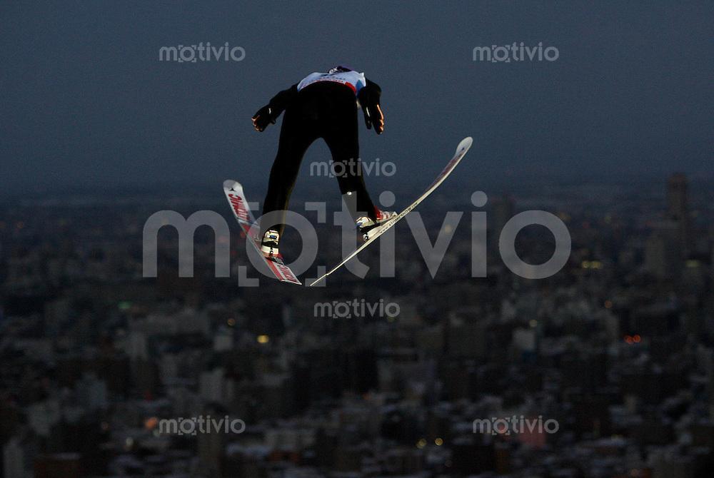 Sapporo , 240207 , Nordische Ski Weltmeisterschaft  Skispringen Grosschanze ,  Martin SCHMITT (GER)
