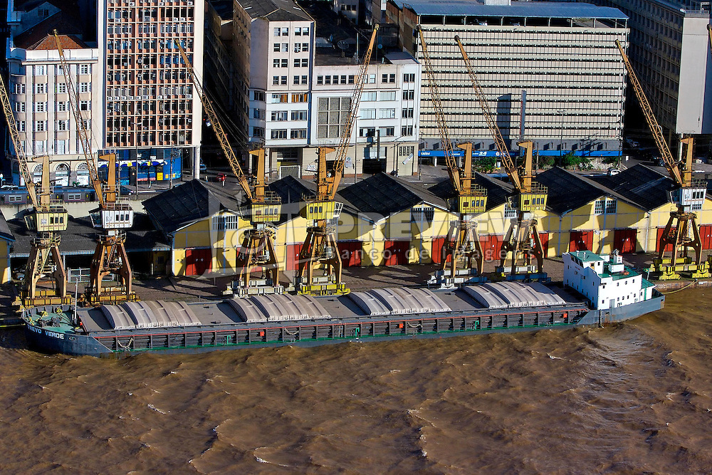 Cais do porto, em Porto Alegre. FOTO: Jefferson Bernardes / Preview.com