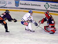 Hockey UPC-ligaen Trondheim Black Panthers ( TIK ) - Sparta Warriors 4-5, uaffisert av påhenget Jeff Zorn og målvakt Joakim Wiberg setter matchvinner Gøran Hermansson, Sparta inn målet til 4-5<br /> <br /> Foto: Carl-Erik Eriksson, Digitalsport