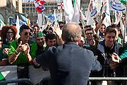 Roberto Maroni incontra i sostenitori della Lega Nord in Piazza Maggiore<br /> 8 novembre 2015 . Daniele Stefanini /  OneShot