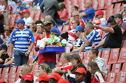 Johannesburg. 15-09-18 Emirates Airline Park. Rugby Currie Cup.  Lions vs Western Province(WP).  A vendor selling cnadyfloss and other snacks moves through rugby supporters during the first half.<br /> Picture: Karen Sandison/African News Agency(ANA)