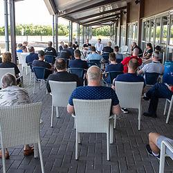 BIDDINGHUIZEN (NED) WIELRENNEN<br /> Zuiderzeeronde eerste wedstrijd Nederlandse Loterij  Clubcompetitie 2021<br /> Ploegleidersvergadering ZZR2021