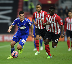 Southampton's Victor Wanyama closes in on Ipswich Town's Darren Ambrose - Photo mandatory by-line: Paul Knight/JMP - Mobile: 07966 386802 - 04/01/2015 - SPORT - Football - Southampton - St Mary's Stadium - Southampton v Ipswich Town - FA Cup Third Round