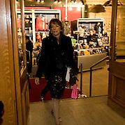 ESTHER RANTZEN, Cirque de Soleil London premiere of Quidam. Royal albert Hall. 6 January 2009