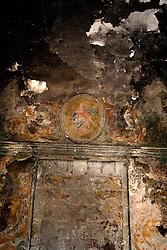 La Massaria Salinelle ubicata nell'omonima contrada, è considera una delle più grandi della campagna oritana, ormai abbandonata da tempo. .La cappella antistante le mura della masseria, era in passato il punto d'incontro dei fedeli di tutta la contrada.
