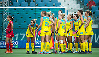 BRUSSEL - Australian team waiting for the video referee    during AUSTRALIA v SPAIN , Fintro Hockey World League Semi-Final (women) . COPYRIGHT KOEN SUYK