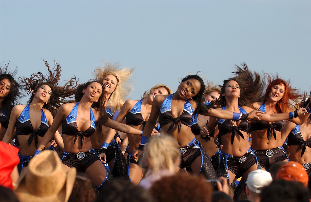 Killeen, TX April 22, 2004: Welcome Home celebration for the 4th Infantry Division from Iraq at the sprawling military base in central Texas.  Dallas dance troupe wows the crowd. ©Bob Daemmrich ,
