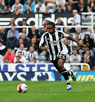 Photo: Andrew Unwin.<br />Newcastle United v Wigan Athletic. The Barclays Premiership. 19/08/2006.<br />Newcastle's Charles N'Zogbia.