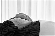 Nederland, Nijmegen, 22-9-2012Handen van een gestorven, opgebaarde patient, vrouw.Foto: Flip Franssen