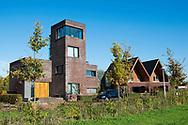 Nederland, Utrecht, 2 nov 2014<br /> Vinexwijk Leidsche Rijn.  Huizen in het duurdere segment direct grenzend aan het stadspark Maxima park. Een aantal huizen heeft een bijzonder ontwerp.<br /> Foto: (c) Michiel Wijnbergh