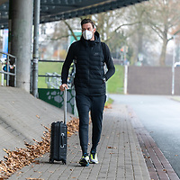 26.11.2020, Trainingsgelaende am wohninvest WESERSTADION - Platz 12, Bremen, GER, 1.FBL, Werder Bremen Training<br /> <br /> Werder Spieler kommen am Donnerstag mittag mit CORONA Alltagsmasken (Mund-Nasen-Bedeckung) zum  Abschusstraining vor dem Auswaertsspiel in Wolfsburg<br /> <br /> Jiri Pavlenka (Werder Bremen #01)<br /> <br /> <br /> Foto © nordphoto / Kokenge *** Local Caption ***