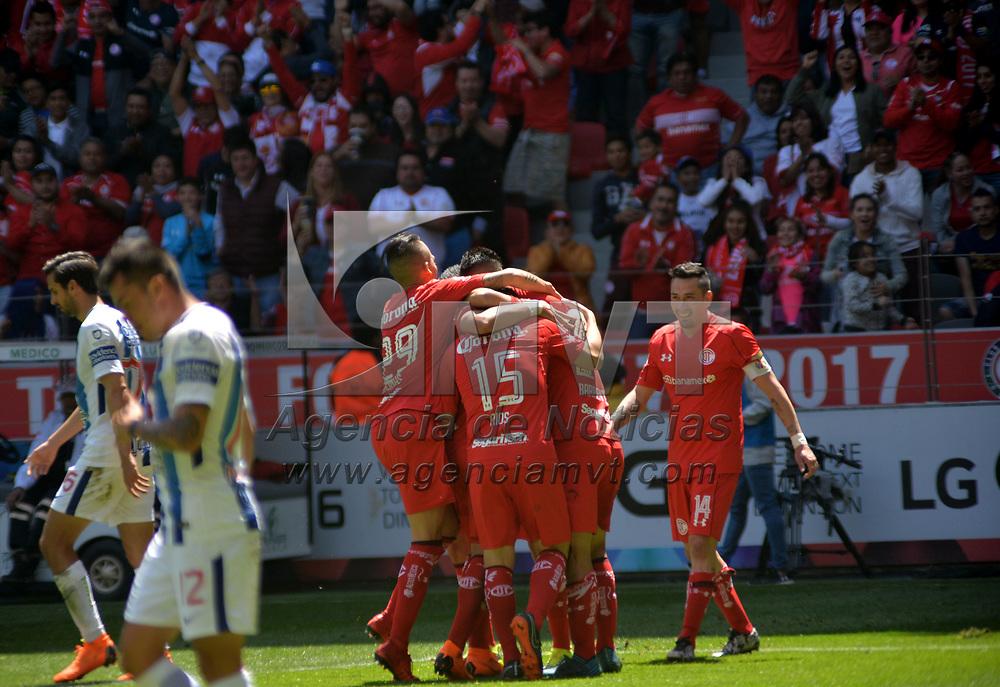 Toluca, México.- (Marzo 04, 2018).- Los Diablos Rojos del Toluca ganaron en casa a la escuadra de los Tuzos del Pachuca, con un marcador final de 2-1 en el encuentro correspondiente a la jornada 10 del  Torneo de Clausura 2018 de la Liga MX. Agencia MVT / Crisanta Espinosa.