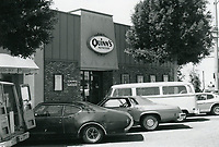 1977 Quinn's Nutrition on Larchmont Blvd.