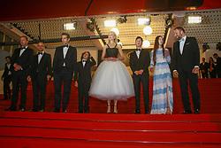 May 23, 2017 - Cannes, Provence-Alpes-Cote-D-Azur, France - Colin Farrell, Sunny Suljic, Nicole Kidman, Barry Keoghan et Raffey Cassidy descendent les marches après la projection du film MISE A MORT DU CERF SACRE lors du soixante-dixième (70ème) Festival du Film à Cannes, Palais des Festivals et des Congres, Cannes, Sud de la France, lundi 22 mai 2017. Philippe FARJON / VISUAL Press Agency (Credit Image: © Visual via ZUMA Press)
