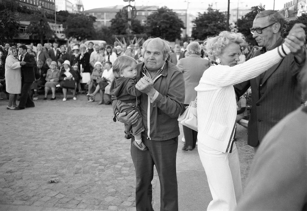 Midsommar på Medborgarplatsen 1977