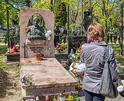 Cmentarz Rakowicki w Krakowie, grób Marka Grechuty w alei zasłużonych.
