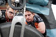 Jan Bos (rechts) bespreekt met de hoofd techniek de aandrijflijn in de VeloX. In Delft test het Human Power Team de VeloX 6, de nieuwe aerodynamische fiets, op de RDW baan. In september wil het Human Power Team Delft en Amsterdam, dat bestaat uit studenten van de TU Delft en de VU Amsterdam, tijdens de World Human Powered Speed Challenge in Nevada een poging doen het wereldrecord snelfietsen te verbreken. Het record is met 139,45 km/h sinds 2015 in handen van de Canadees Todd Reichert.<br /> <br /> With the special recumbent bike the Human Power Team Delft and Amsterdam, consisting of students of the TU Delft and the VU Amsterdam, also wants to set a new world record cycling in September at the World Human Powered Speed Challenge in Nevada. The current speed record is 139,45 km/h, set in 2015 by Todd Reichert.