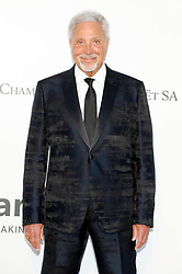 May 23, 2019 - Antibes, Alpes-Maritimes, Frankreich - Tom Jones attending the 26th amfAR's Cinema Against Aids Gala during the 72nd Cannes Film Festival at Hotel du Cap-Eden-Roc on May 23, 2019 in Antibes (Credit Image: © Future-Image via ZUMA Press)