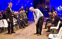 UTRECHT -  NGF voorzitter Ronald Pfeiffer met Gerard Louter (l) , A tribe called Golf, de kracht van de connectie. Nationaal Golf Congres van de NVG 2014 , Nederlandse Vereniging Golfbranche. COPYRIGHT KOEN SUYK