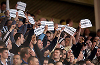 Photo: Jed Wee.<br />Sunderland v Newcastle United. The Barclays Premiership. 17/04/2006.<br /><br />Newcastle fans taunt Sunderland fans before the start of the game with messages in support of Sunderland chairman Bob Murray.
