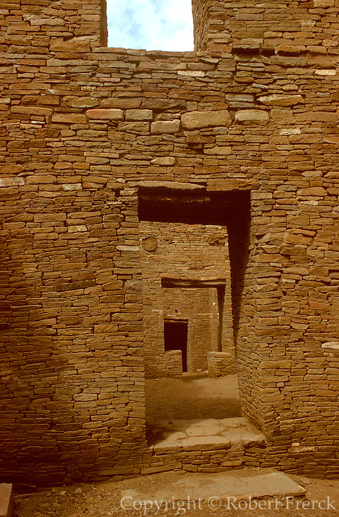 NATIVE AMERICANS, HISTORIC Anasazi; Pueblo Bonito, Chaco Canyon
