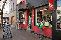 """LOCAL DE CINE CAFE """"MILES"""" EN EL BARRIO DE PALERMO VIEJO O SOHO, BUENOS AIRES, ARGENTINA"""
