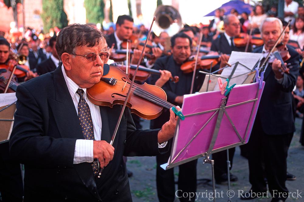 MEXICO, SAN MIGUEL ALLENDE Santo Entierro Good Friday Procession