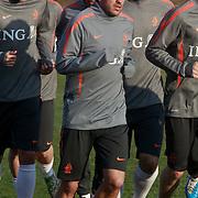 NLD/Katwijk/20110321 - Training Nederlandse Elftal Hongarije - NLD, warming up, Raphael van der Vaart