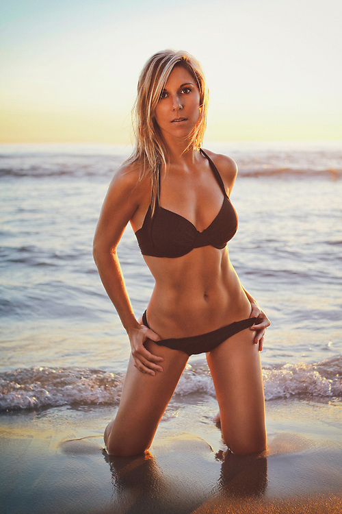 Fit Blonde Swimsuit Model shot in La Jolla, California. Beach location at sunset. ©justinalexanderbartels.com