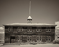 School House. Image taken with a Nikon D3x camera and 24 mm f/1.4 lens (ISO 100, 24 mm, f/16, 1/50 sec).