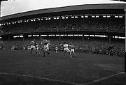 Football, Senior Semi Final, Offaly (Winner) v Roscommon, Croke Park<br /> 20.08.1961