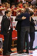DESCRIZIONE : Campionato 2015/16 Giorgio Tesi Group Pistoia - Pasta Reggia Caserta<br /> GIOCATORE : Esposito Vincenzo Maltinti Roberto<br /> CATEGORIA : Esultanza Fair Play<br /> SQUADRA : Giorgio Tesi Group Pistoia<br /> EVENTO : LegaBasket Serie A Beko 2015/2016<br /> GARA : Giorgio Tesi Group Pistoia - Pasta Reggia Caserta<br /> DATA : 15/11/2015<br /> SPORT : Pallacanestro <br /> AUTORE : Agenzia Ciamillo-Castoria/S.D'Errico<br /> Galleria : LegaBasket Serie A Beko 2015/2016<br /> Fotonotizia : Campionato 2015/16 Giorgio Tesi Group Pistoia - Pasta Reggia Caserta<br /> Predefinita :