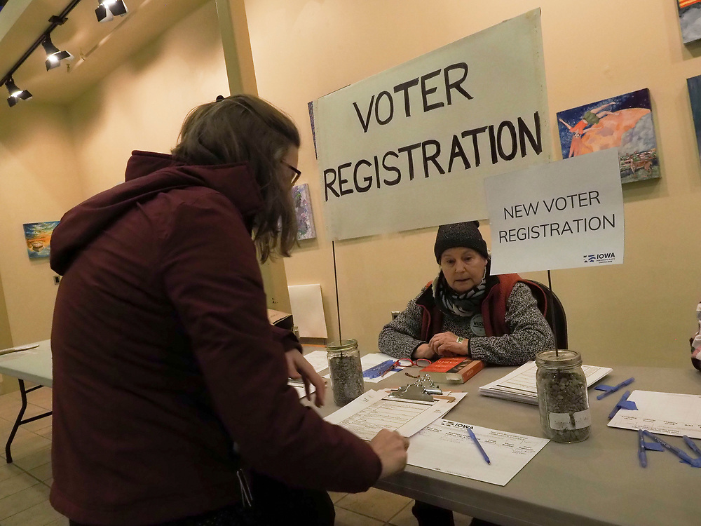 A Fairfield Iowa resident registers for the February 3, 2020 Democratic Caucus