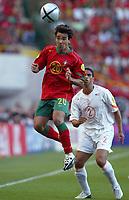 Fotball<br /> Euro 2004<br /> Portugal<br /> 30. juni 2004<br /> Foto: Dppi/Digitalsport<br /> NORWAY ONLY<br /> Semifinale<br /> Portugal v Nederland 2-1<br /> DECO (POR) / MICHAEL REIZIGER (NET)