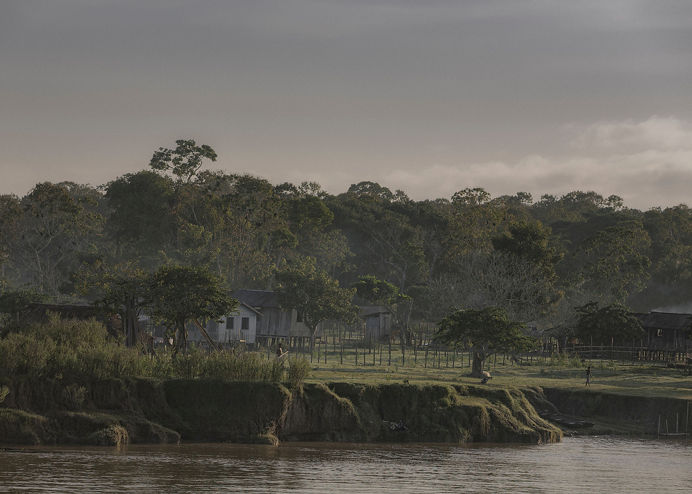Brésil, Para, rio Tapajos. Communauté d'agriculteurs.