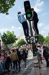 May 24, 2019 - Paris - Etudiants francais manifestant pour le climat (Credit Image: © Panoramic via ZUMA Press)