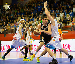 17.05.2015, Walfersamhalle, Kapfenberg, AUT, ABL, ece Bulls Kapfenberg vs magnofit Guessing Knights, 3. Semifinale, im Bild Shawn Ray (Kapfenberg) Aleksander Yanev Georgiev (Guessing) Filip Kreamer (Kapfenberg) // during the Austrian Basketball League, 3th semifinal, between ece Bulls Kapfenberg and magnofit Guessing Knights at the Sportscenter Walfersam, Kapfenberg, Austria o00000n 2015/05/17, EXPA Pictures © 2015, PhotoCredit: EXPA/ Dominik Angerer