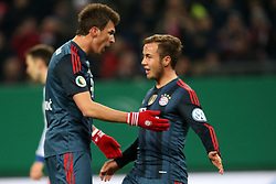 Football: Germany, DFB Cup<br /> Mario Goetze (R) celebrates after the goal of Mario MANDZUKIC (FC Bayern Muenchen)