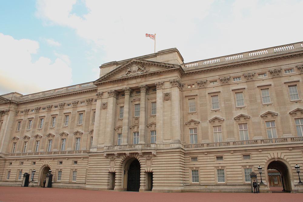 Buckingham Palace - Westminster, UK