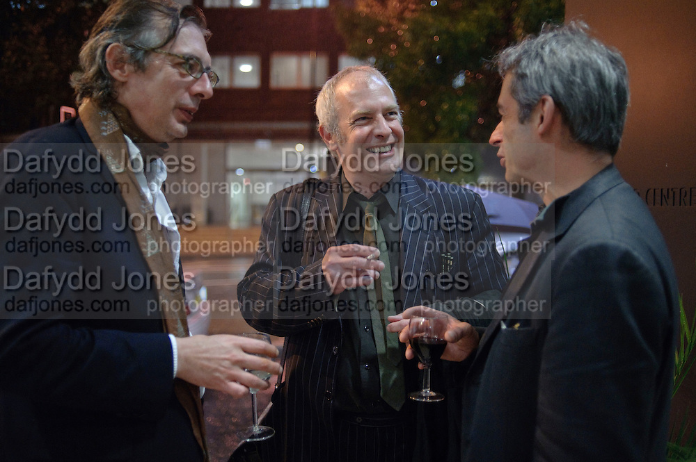 INIGO THOMAS; MARTIN ROWSON; NICK LEZARD, Free Word, the UKÕs first house of literature, literacy and free expression  opens. Farringdon Rd. London. 15 September 2009<br /> INIGO THOMAS; MARTIN ROWSON; NICK LEZARD, Free Word, the UK?s first house of literature, literacy and free expression  opens. Farringdon Rd. London. 15 September 2009
