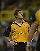 Wycombe. Buck's ENGLAND, Causeway Stadium.<br /> Zurich Premiership 11-11-2001<br /> London Wasps v Newcastle Falcons<br /> Tom May - watch's as the ball go's over.  [Mandatory Credit;Peter SPURRIER/Intersport Image]