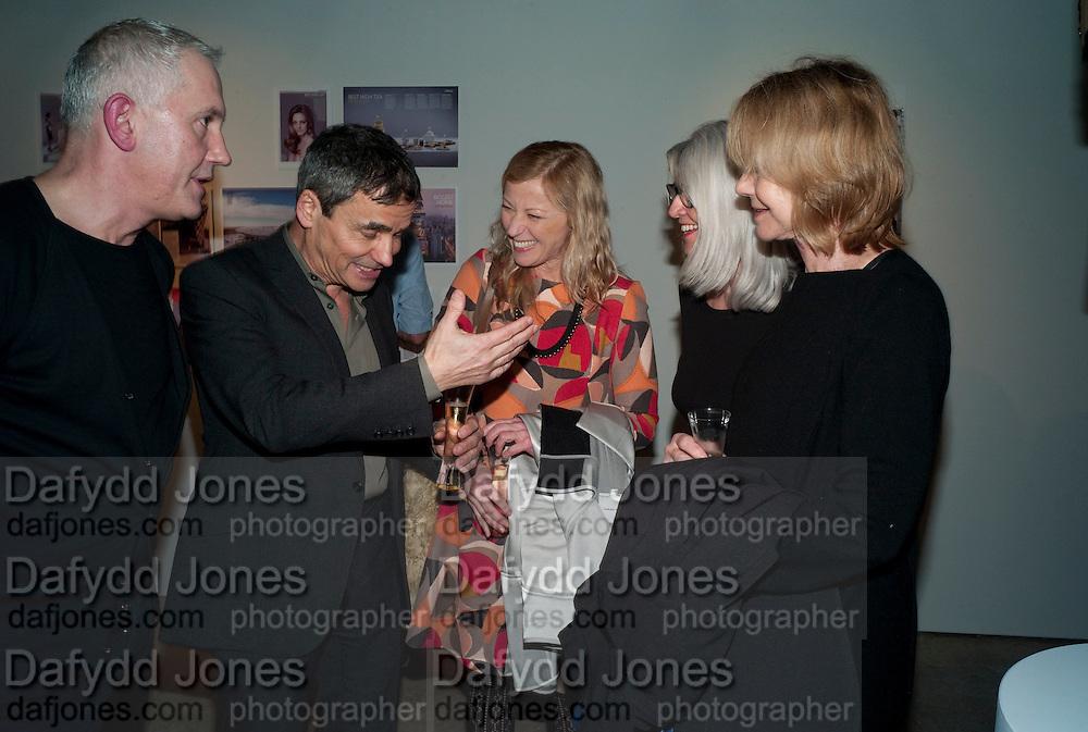 HARRY HANDLESMAN; CINDY SHERMAN, Wallpaper  Design Awards in partner ship with aSton Martin. The Edison, 223-231 Old Marylebone Road, London. 12 January 2011. . This year it is in partnership with Aston Martin.-DO NOT ARCHIVE-© Copyright Photograph by Dafydd Jones. 248 Clapham Rd. London SW9 0PZ. Tel 0207 820 0771. www.dafjones.com.