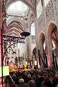 Koning Willem-Alexander opent de tentoonstelling Jheronimus Bosch - Visioenen van een genie in Het Noordbrabants Museum. <br /> <br /> King Willem-Alexander opens the exhibition Hieronymus Bosch - Visions of a genius in the North Brabant Museum.<br /> <br /> Op de foto / On the photo:  Koning Willem Alexander komt aan in de Sint Jan kerk / King Willem Alexander arrives at the St. John Church