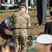 NLD/Ede/20190921- Prince Charles en Prinses Beatrix bij herdenking Airborne, Prins Charles en Prinses Beatrix leggen een krans ter nagedachtenis