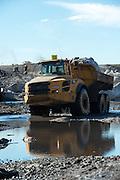 Vunene Coal mine, moving of large boulders