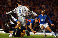 Fotball: Rangers v Paris St. Germain, Ibrox  Stadium Glasgow, UEFA Cup 3rd round first leg match<br /><br />Foto: Ian Stewart, Digitalsport<br /><br />Thursday November 22nd. 2001.<br /><br />Tore Andre Flo is tackled by P.S.G goalkeeper Lionel Letizi