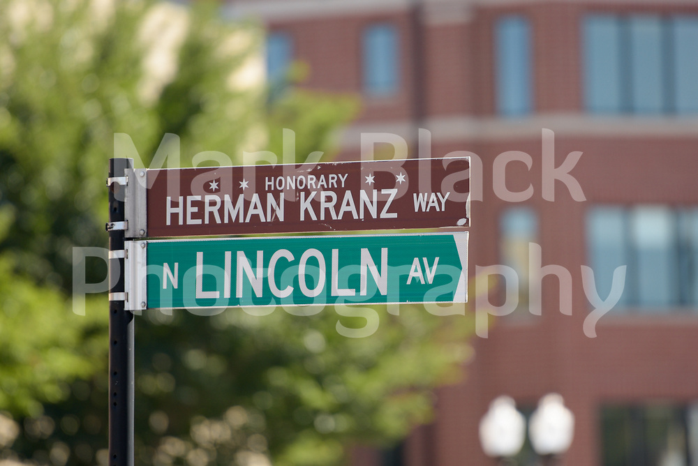 Lincoln Avenue and honorary Herman Kranz Way street sign in Lincoln Square neighborhood of in Chicago on Friday, Sept. 4, 2020. Photo by Mark Black